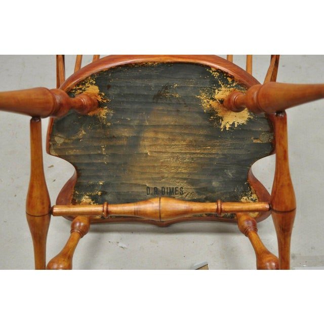 Antique d.r. Dimes Wooden Windsor Bow Back Continuous Arm Dining Chair (B) For Sale - Image 10 of 13