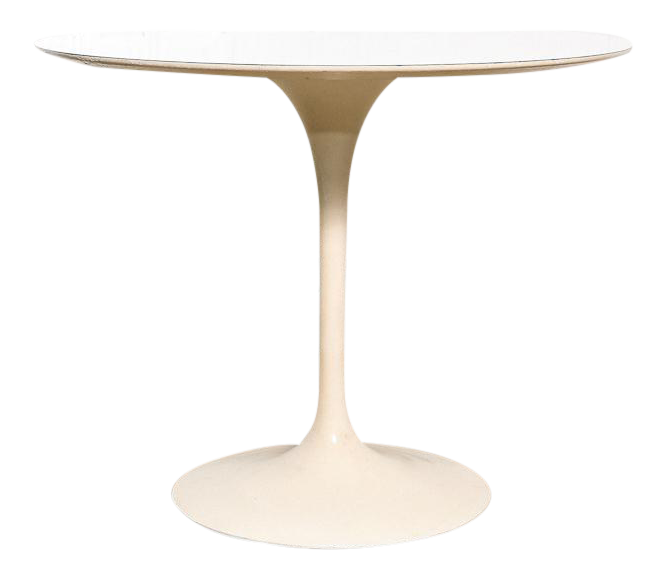 Early Saarinen Round Table For Knoll