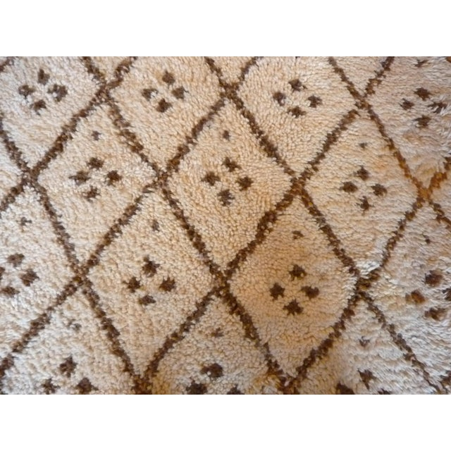 Vintage Handmade Moroccan Rug - Image 4 of 9