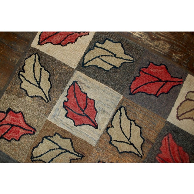 "Cottage Antique American Handmade Hooked Rug - 2'2"" X 3'4"" For Sale - Image 3 of 5"