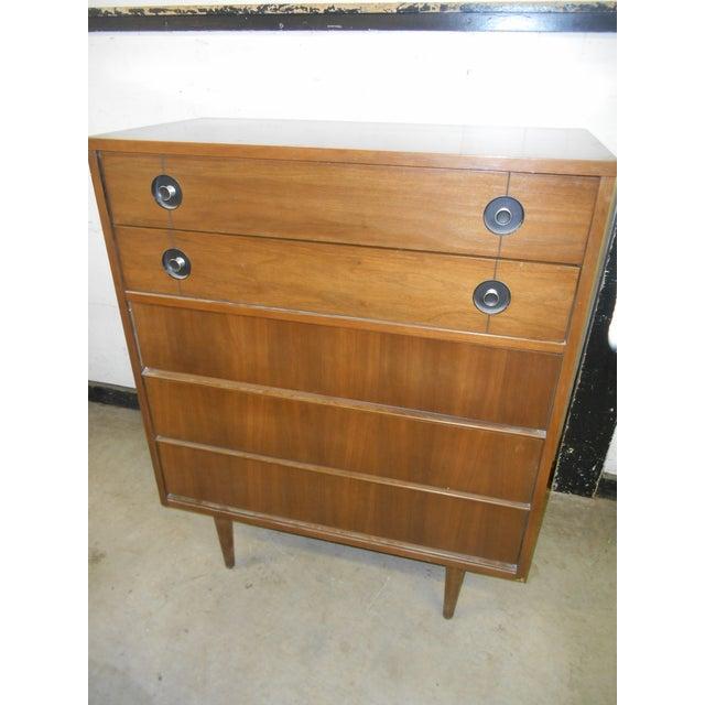 Very Nice Vintage Mid-Century Danish Modern Stanley FinnLine Walnut 5-Drawer Gentleman's Chest Manufacturer: Stanley...