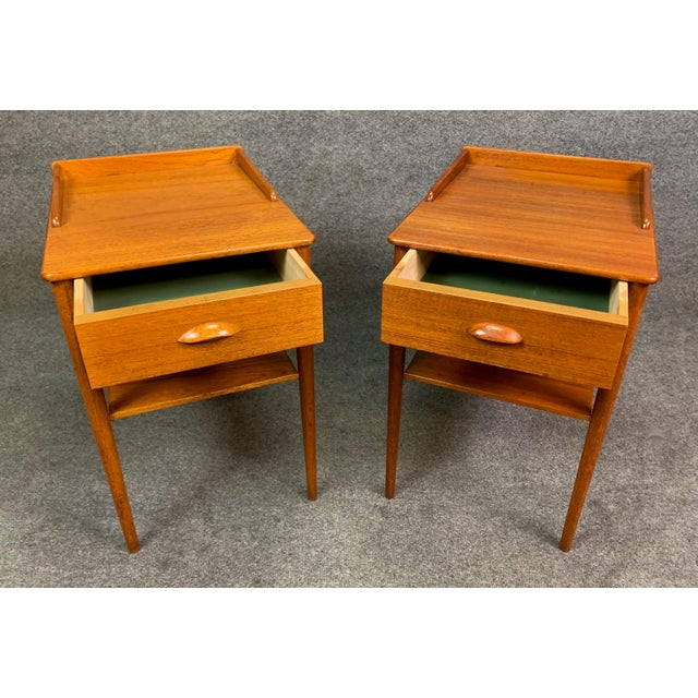 Here is a lovely pair of vintage scandinavian modern side tables manufactured in Denmark in the 1960's by Erik Andersson....