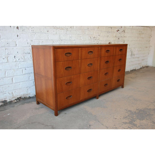 Baker Furniture Company Michael Taylor for Baker New World Collection Eight-Drawer Dresser or Chest For Sale - Image 4 of 11