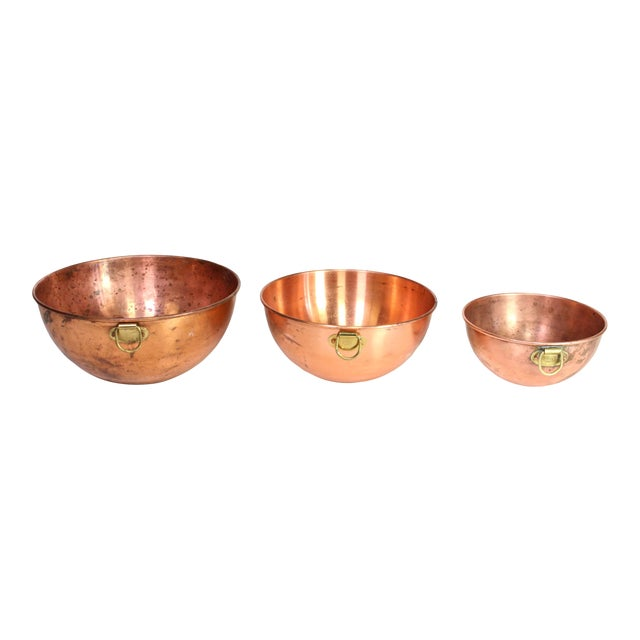 1970s French Copper Nesting Bowls With Brass Hanging Handles - Set of 3 For Sale