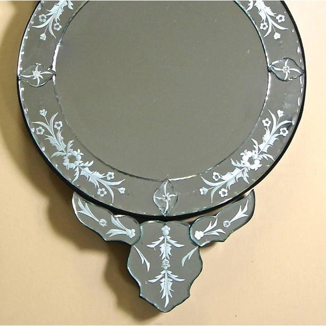 1960s Venetian Etched Glass Circular Wall Mirror For Sale - Image 4 of 11