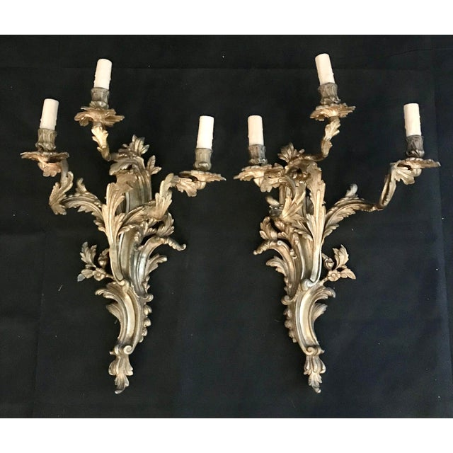 Late 19th Century French Louis XV Gold Gilt Bronze Sconces -A Pair For Sale - Image 5 of 7