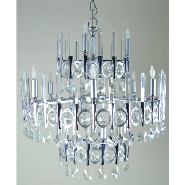1960s Gaetano Sciolari Large Three-Tier Modernist Crystal Chandelier, Italy, 1960s For Sale - Image 5 of 9