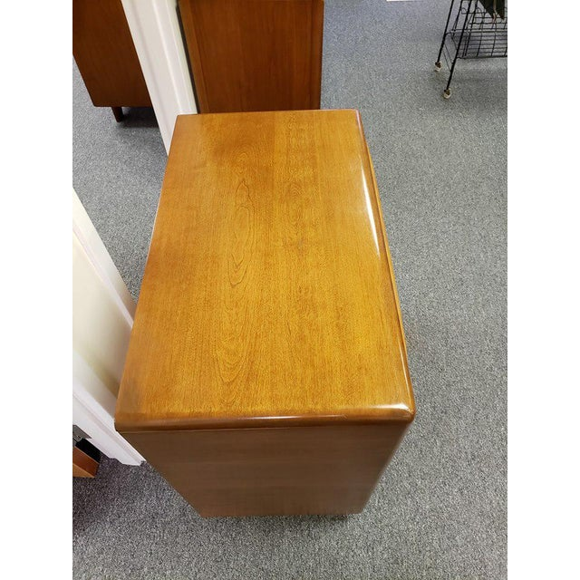 Heywood-Wakefield 1960s Mid-Century Modern Heywood Wakefield Encore Small Birch Chest of Drawers For Sale - Image 4 of 13
