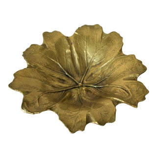 1940s Art Nouveau Virginia Metalcrafters Brass Leaf Bowl For Sale