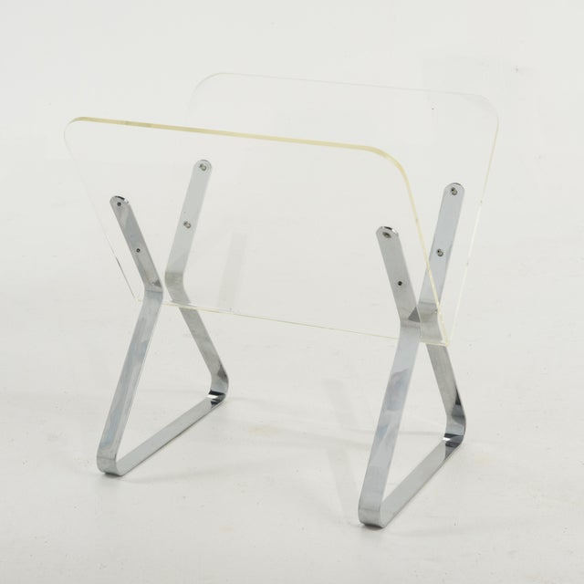 Metal 1970s Milo Baughman Style Lucite and Chrome Magazine Stand For Sale - Image 7 of 9