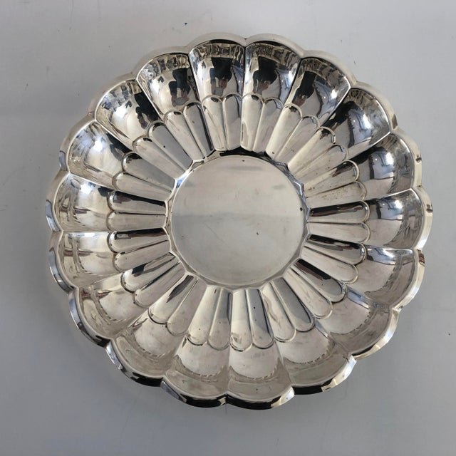 """1980s Midcentury Style """"towle"""" Silver Plate Serving Bowl For Sale - Image 5 of 5"""