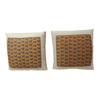 Pair of 19th Century Orange Paisley Linen Decorative Pillows For Sale