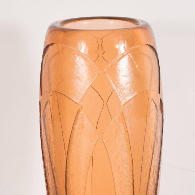 1930s Art Deco Vase in Translucent Cognac with Cubist Geometric Patterns For Sale - Image 5 of 9