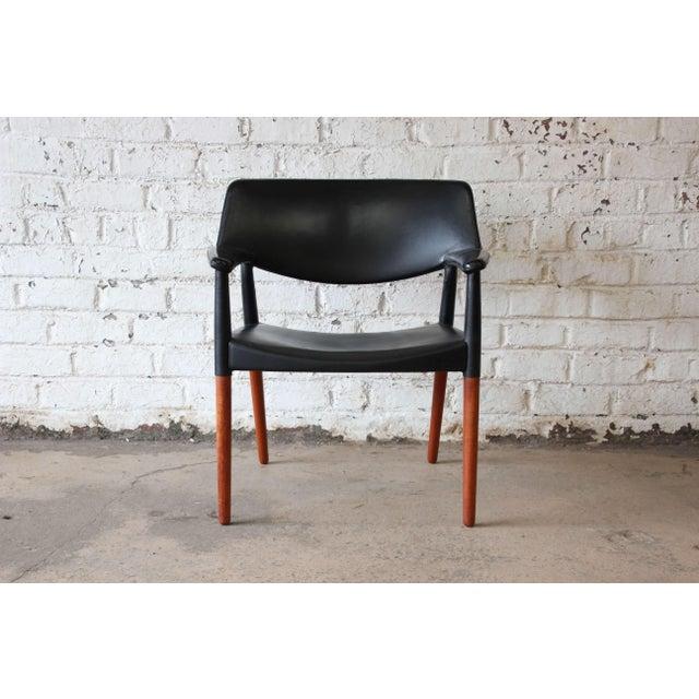 Ejner Larsen Ejner Larsen and Aksel Bender Madsen Black Leather & Rosewood Armchair For Sale - Image 4 of 9