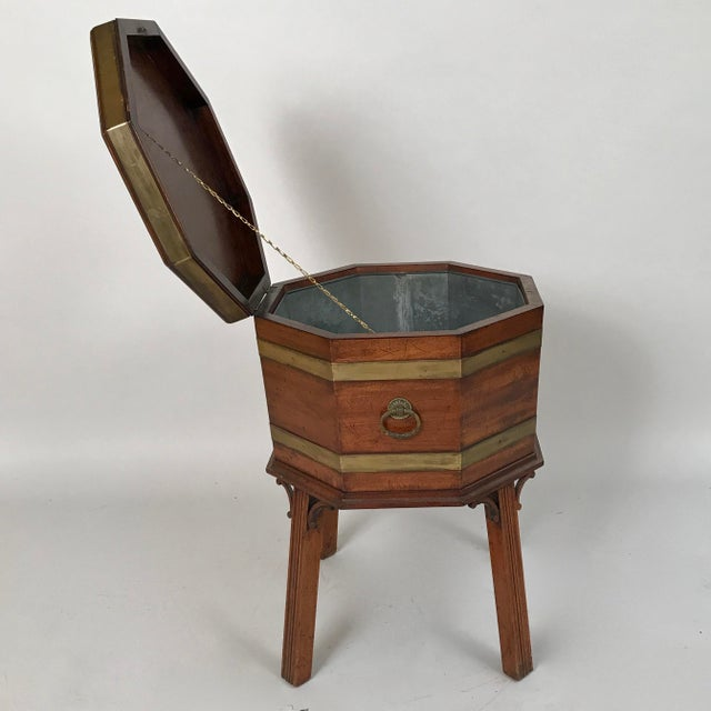 Early 18th Century 1700s George III Mahogany and Brass Cellarette For Sale - Image 5 of 11
