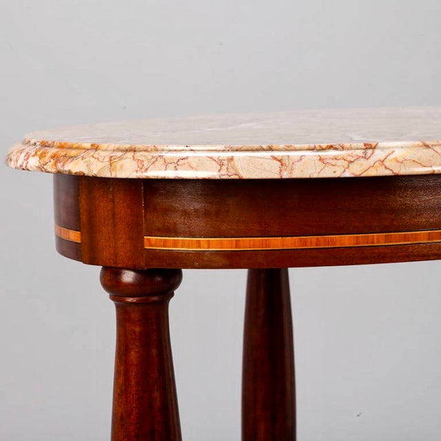 1900 - 1909 French Directoire Oval Center Table with Rouge Marble Top For Sale - Image 5 of 7