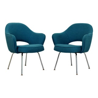 Mid Century Modern Pair Saarinen Knoll Sculptural Executive Office Chairs 1960s For Sale