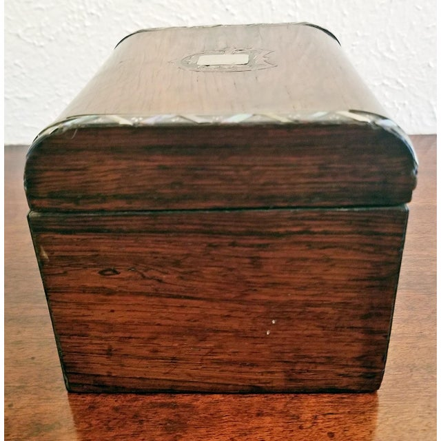 Georgian Early 19c Irish Mahogany Single Tea Caddy With Armorial Crest For Sale - Image 3 of 13
