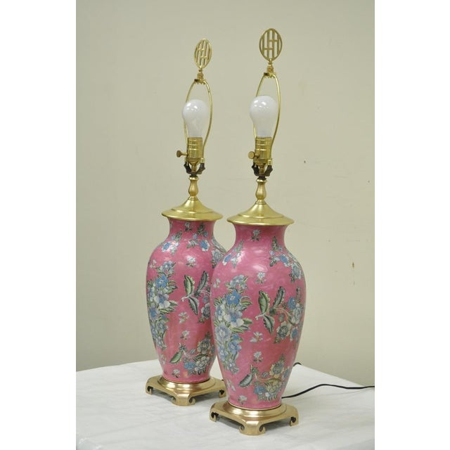 Asian Pair of Vintage Oriental Heyward House Brass Ceramic Pink Floral Table Lamps For Sale - Image 3 of 11