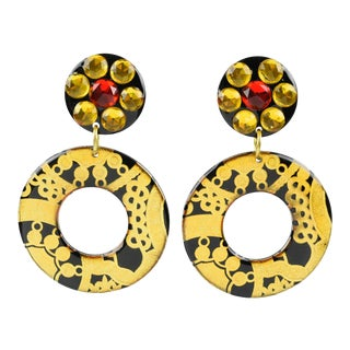 Dangling Donut Lucite Clip-On Earrings Textured Black Gold Design For Sale