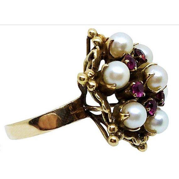 Mid-Century Modern 18k Gold Ruby and Pearl Ring For Sale - Image 3 of 5
