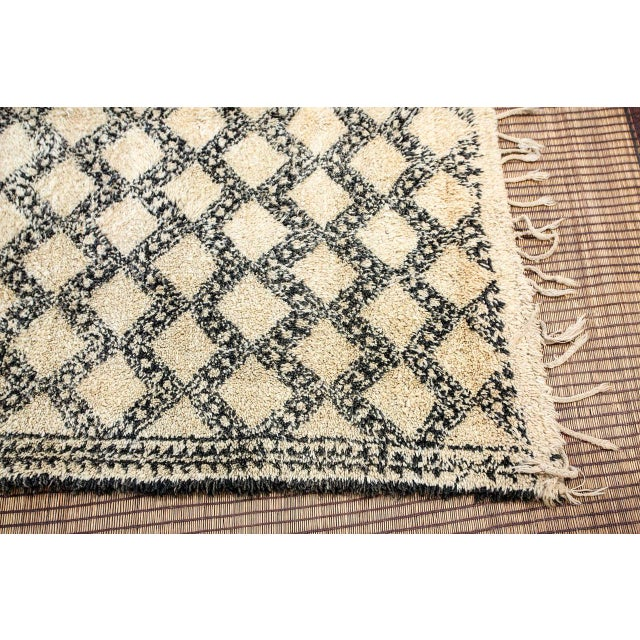Vintage Moroccan Beni Ouarain Shaggy Tribal Rug North Africa For Sale - Image 4 of 9