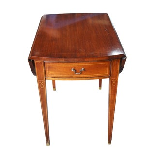 20th Century Federal Pioneer Furniture Pembroke Mahogany Drop Leaf Side Table For Sale