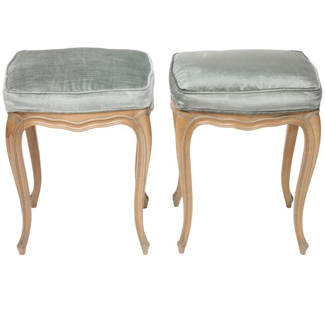 Vintage Louis XV Beechwood Benches / Stools in Blue-Grey Silk Velvet - a Pair For Sale