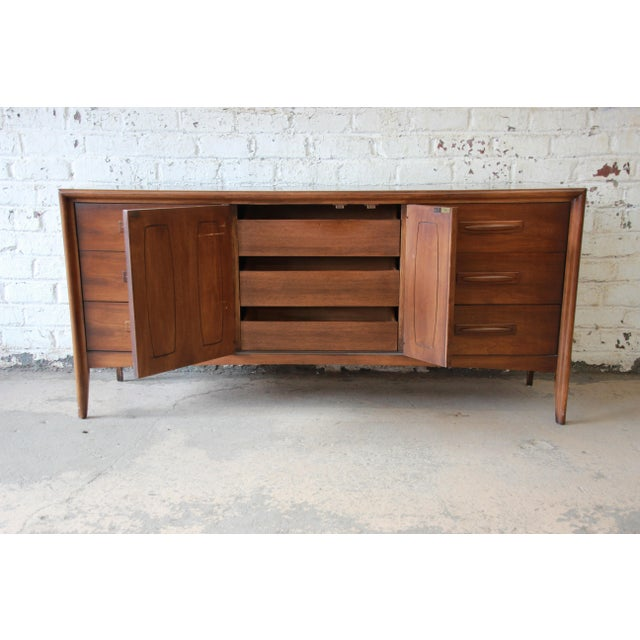 1960s Broyhill Emphasis Mid-Century Modern Sculpted Walnut Triple Dresser Credenza For Sale - Image 5 of 12