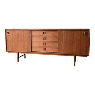 Long Mid Century Modern Teak Danish Credenza Media Stand For Sale