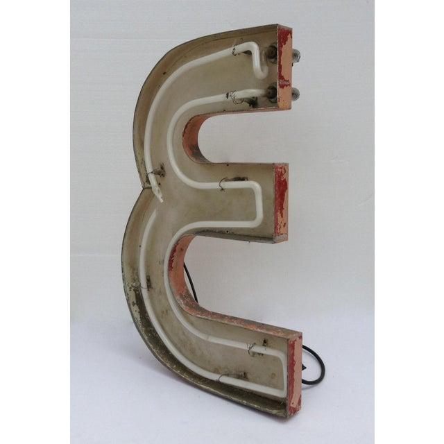 """Vintage Neon Diner Sign, Letter """"E"""" For Sale - Image 4 of 11"""