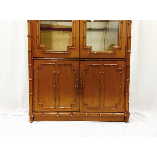 Vintage Chippendale Style China Cabinet - Image 5 of 10