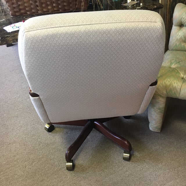 White Rolling Office Chair - Image 5 of 8