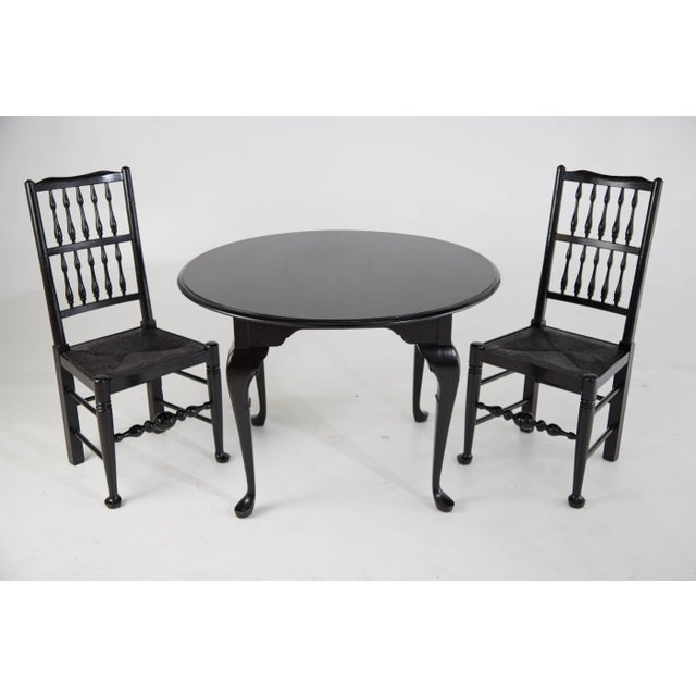 British Colonial Colonial Revival Style Black Lacquer Chairs & Queen Anne Style Table Set For Sale - Image 3 of 4