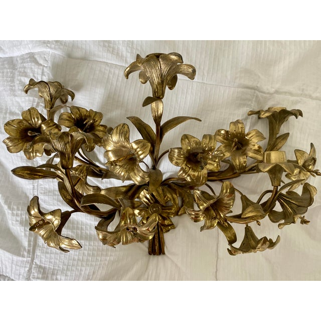 1950s 1950s Vintage Hollywood Regency Lily Brass Wall Sconce Candelabra For Sale - Image 5 of 5