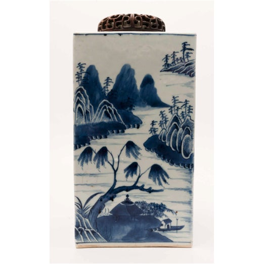 19th Century Chinese Export Canton Large Blue and White Tea Caddy For Sale - Image 9 of 11