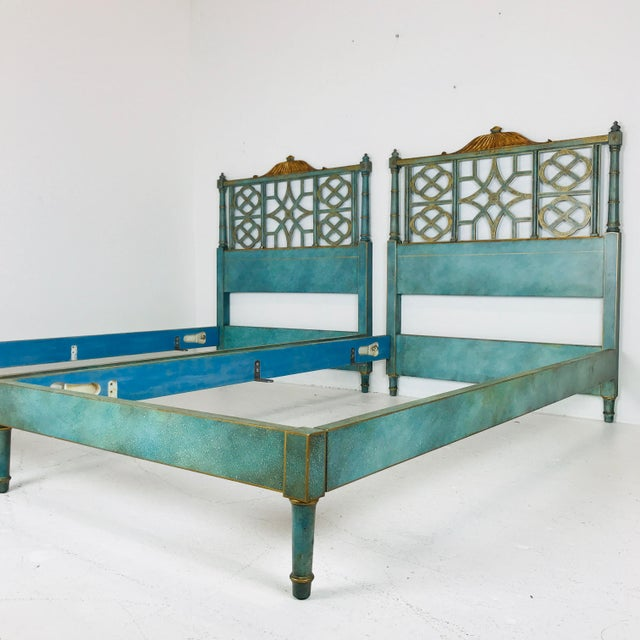 Pair of Twin Chinoiserie Pagoda Beds by Kittinger For Sale In Dallas - Image 6 of 12