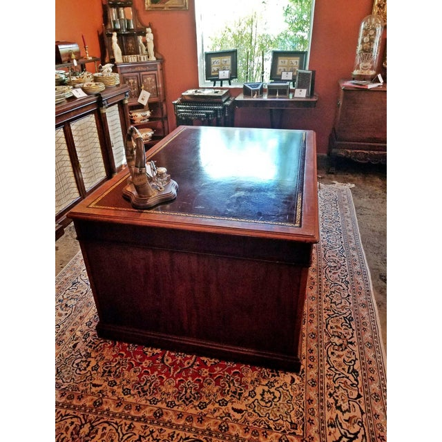 Gold Early 19th Century William IV Mahogany Partners Desk For Sale - Image 8 of 13