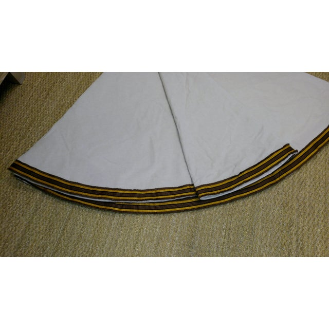 """English 96"""" Gold Trim Linen Lined Table Cloth For Sale - Image 3 of 10"""