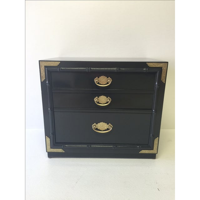 Huntley by Thomasville Lacquered Chest Side Table - Image 5 of 5