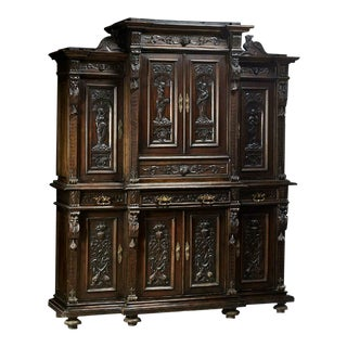 Late 19th Century Antique Italian Renaissance Style Walnut Buffet Deux Corps For Sale