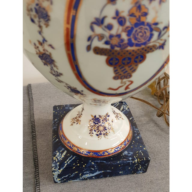 Winterthur Porcelain Blue and White China Table Lamp For Sale In New York - Image 6 of 8