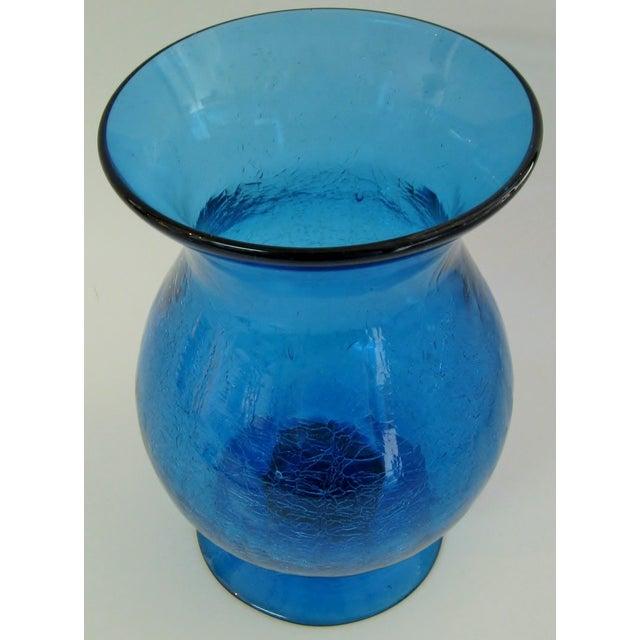 Peacock Glass Urn Vase - Image 4 of 4