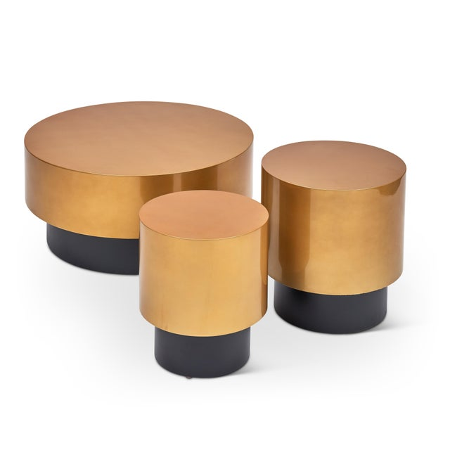 Contemporary Benton Side Table in Gold For Sale - Image 3 of 6