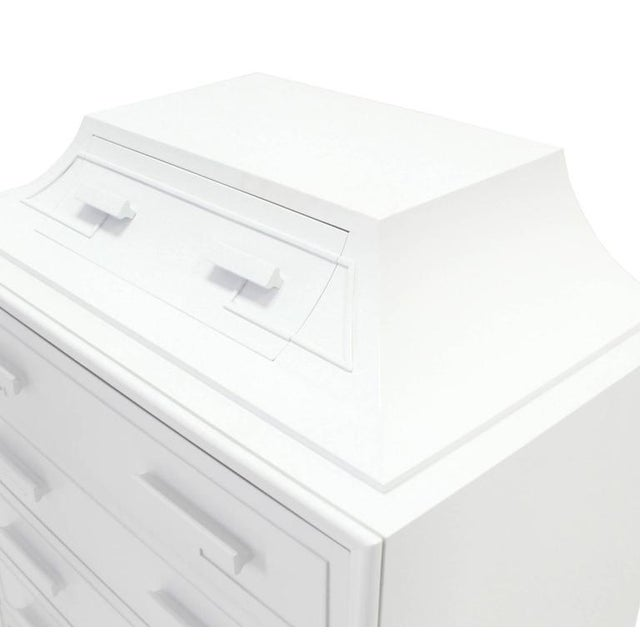Mid-Century Modern White Lacquer Pyramid Shape Bachelor Greek Key Ornament Chest For Sale - Image 3 of 7