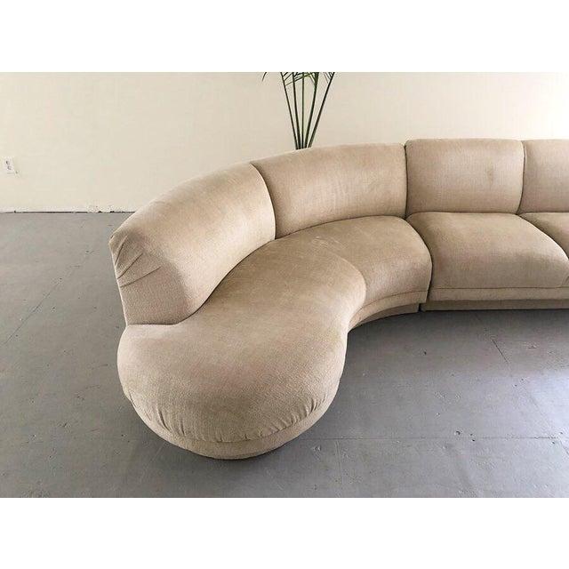 "Mid-Century Modern 1980s Vintage Vladimir Kagan Serpentine ""Cloud"" Sofa For Sale - Image 3 of 6"