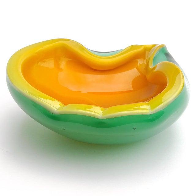 Mid-Century Modern Fratelli Toso Murano Vintage Orange Green Italian Art Glass Melon Mango Mid Century Decorative Bowl For Sale - Image 3 of 8