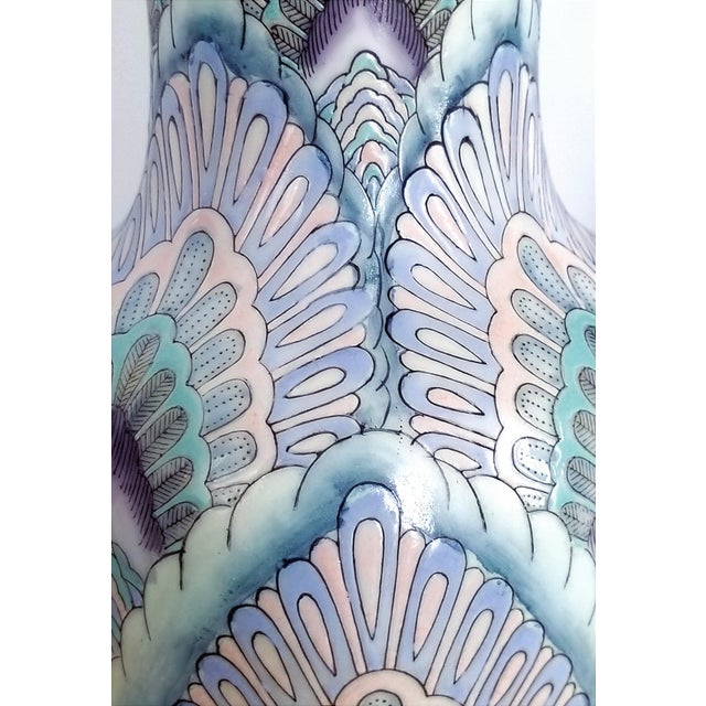 Vintage Peacock Phoenix Bird Feather Ceramic Porcelain Chinese Table Lamps -Pair- Asian Mid Century Modern Boho Chic Tropical Coastal Palm Beach Tree For Sale - Image 9 of 13