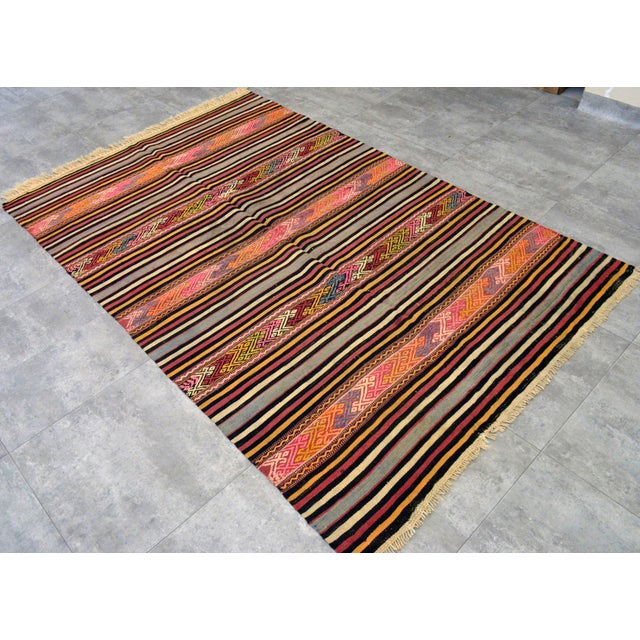 "Vintage Braided Rug. Flat Weave Area Rug - 4' 6"" X 6' 11"" For Sale - Image 4 of 11"