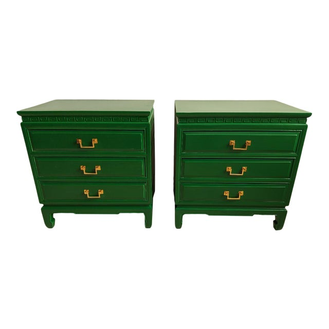 1940s Vintage Green Gloss Chinoiserie Nightstands-a Pair For Sale
